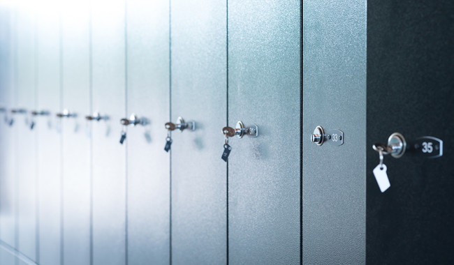 quick and convenient ways to maintain metal lockers
